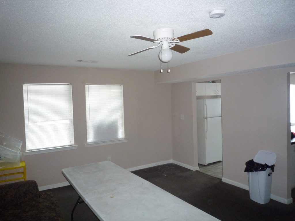 Family room 4