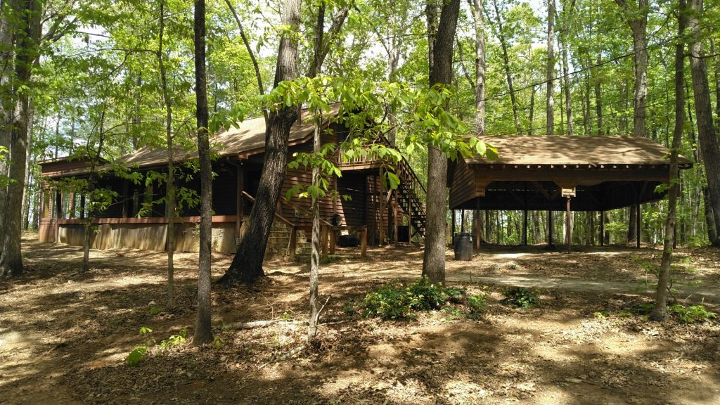Great house for horses on 5 acres prepper or Just want to be out of site.